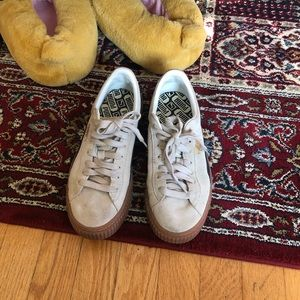 Puma woman suede sneaker
